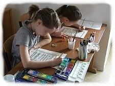 Kinder üben mit uns mittelalterliche Schriftformen
