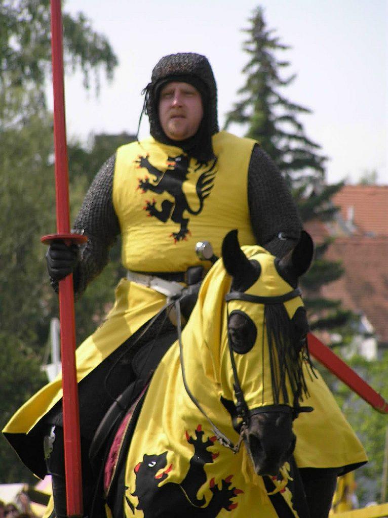 Unser Reiter in den Farben des Grafen Walram von Jülich.