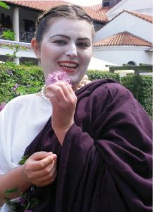Von der Ornatrix frisch geschminkt ist die Dame, auszugehen. Foto: Gisela Michel.